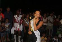 Reina cantando